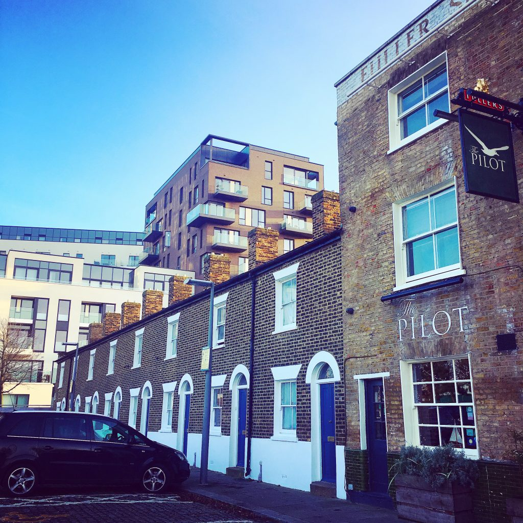 """River View, Greenwich, with The Pilot Inn at the end of the terrace. The very terrace (albeit with woodwork then painted red) that featured in Blur's """"Parklife"""" video..."""